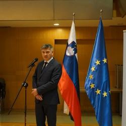 Svečana podelitev priznanj CAF - nagovor ministra za javno upravo Rudija Medveda (foto Mišo Franc Sotlar)