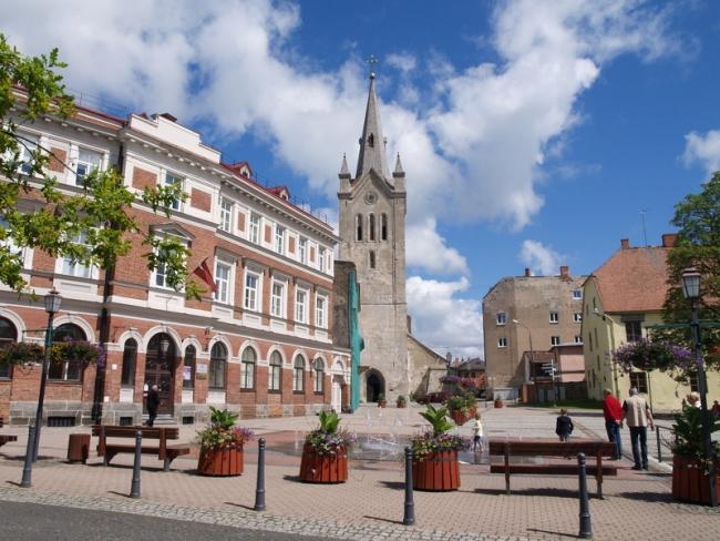 Partnerji CRE:HUB spoznavali Latvijsko kulturno dediščino in razvoj KKI
