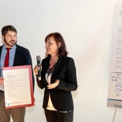 Podpis Listine raznolikosti - Miha Lobnik, zagovornik načela enakosti in Lilijana Madjar, direktorica RRA LUR