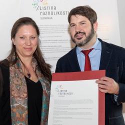 Vodja Listine raznolikosti Slovenija Barbara Zupančič in zagovornik načela enakosti Miha Lobnik
