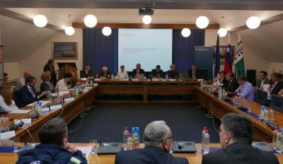 Pripravljalni sestanek Obisk vlade