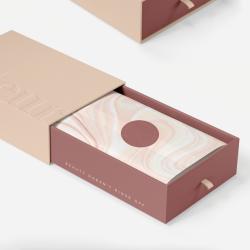 Odeur: trajno naravnane embalaže s sekundarno funkcijo