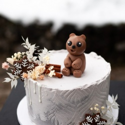 Stories by Lea: slaščice in poročne torte z zgodbo