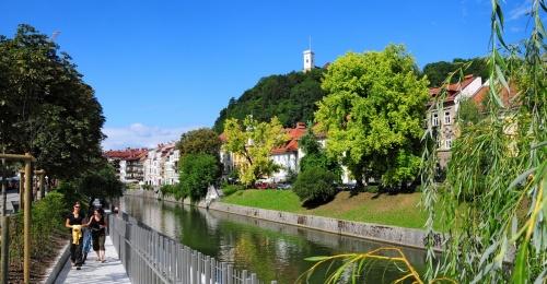 Kako vzpostaviti ravnovesje med razvojem turizma ob rekah in varstvom narave?